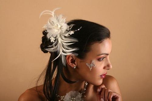 Headbands à plumes avec fleurs pour la mariée