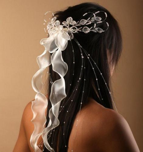 Headband à rubans et perles 3 pour la mariée