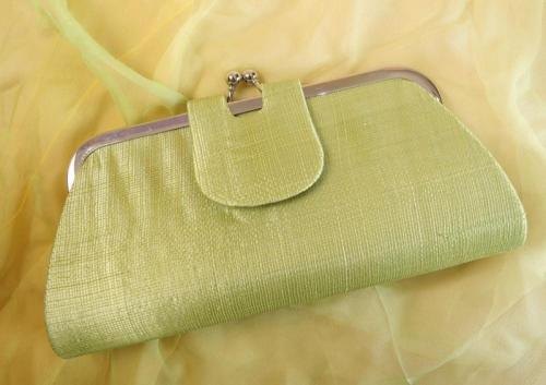 Porte feuilles vert pour la mariée